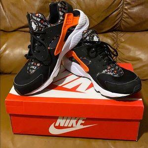 Nike just do it huarache